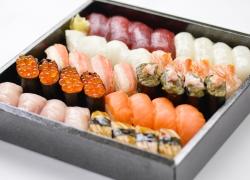 寿司 宴(うたげ)4人前
